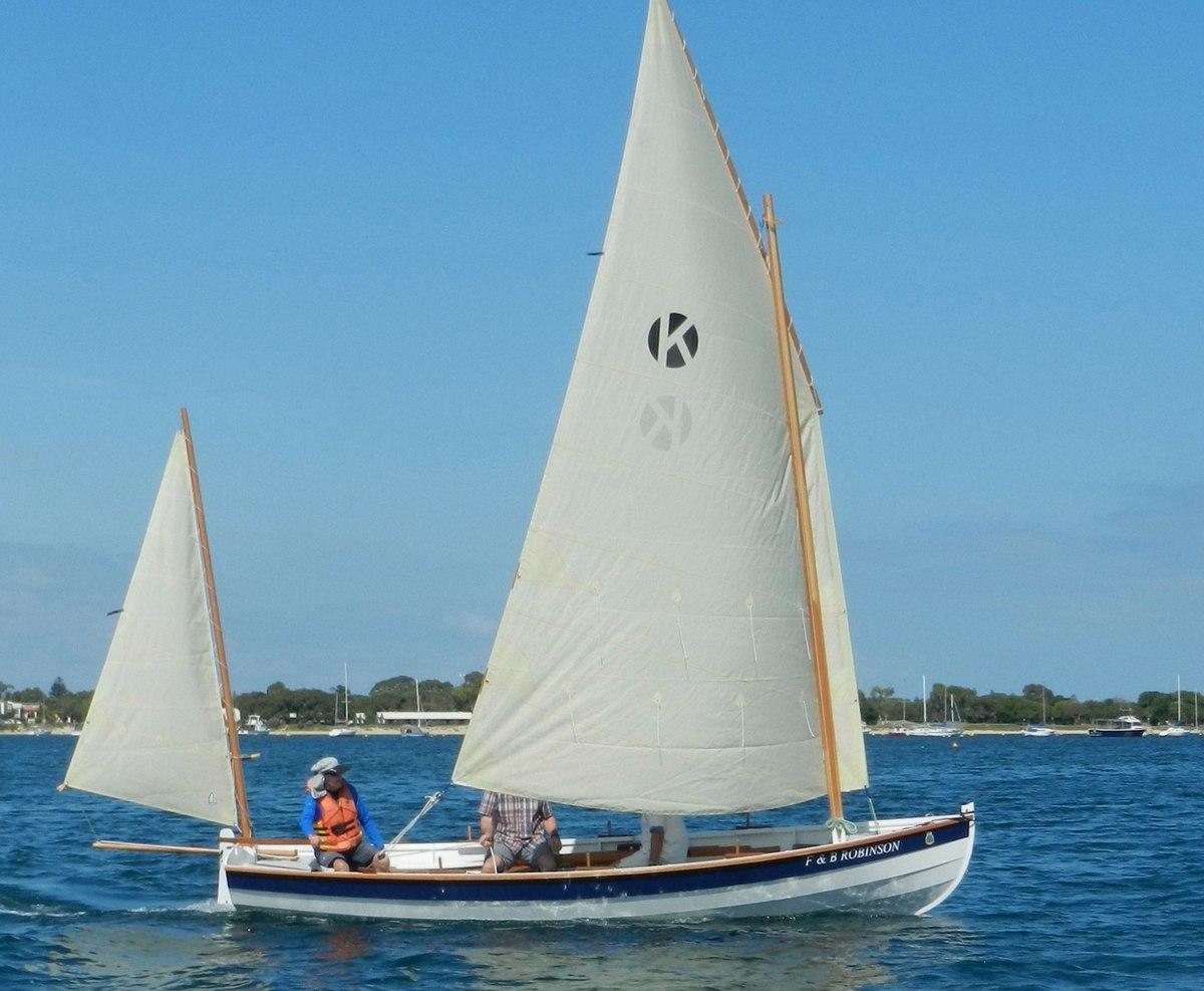 Kernic, a new sail-and-oar team boat