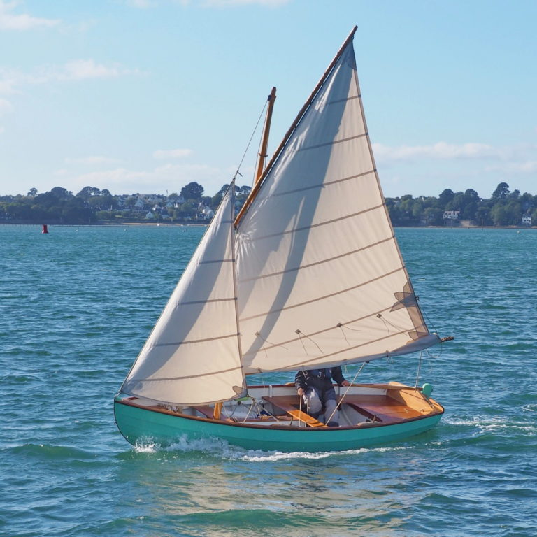 Mesker, a new sail and oar dinghy